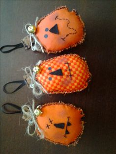 Three small cute primitive orange pumpkin Halloween tree ornaments, pintucks, bowl filler by StuffbySally on Etsy