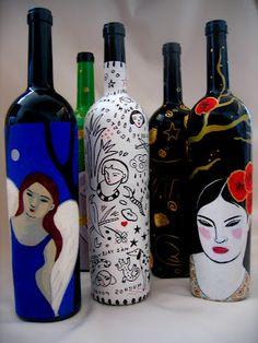 DIADIA  Choisis quelques objets de déchet que ta mère va jeter (bouteilles, flacons...) et écris quelques billets poétiques pour les décorer en les collant sur leurs surfaces.