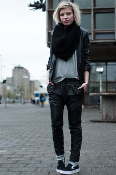 RED REIDING HOOD: Fashion blogger model off duty wearing all black everything baggy tapered leather pants suit jacket blazer mango streetstyle woolen cosy socks in vans slip ons sneakers oversized knitted huge tube scarf snood
