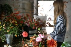 Places & Spaces: Amy Merrick Flowers & Styling If I lived in Brooklyn, New York, I'd be visiting Amy Merrick's studio every single day. Her floral styling is absolutely impeccable and seriously. Business Portrait, A Well Traveled Woman, Fall Is Here, Flower Market, Flower Shops, Beautiful Flowers, Beautiful Things, Flower Arrangements, Wedding Flowers
