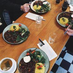 Dagens rett er Chili Con Carne - serveres frem til kl.17.00! Velkommen innom  av kolonialen_ http://ift.tt/1ni9O8p