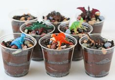 Copinhos de chocolate dinossauros