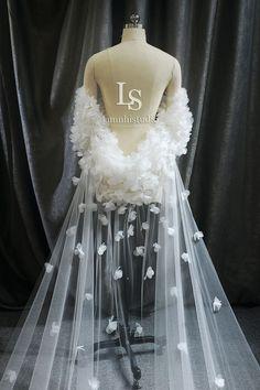 Wedding Veil, Ceiling Lights, Bridal, Decor, Fashion, Moda, Decoration, Fashion Styles, Decorating