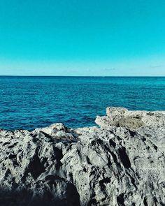 Blue monday?No it's blue happiness. #unangeloinviaggio  Edit with @vscoG3  #italia #italy #calabria #vsco #vscocam #vscoitaly #landscapephotography #landscape #landscape_captures #landscape_lovers #amazing #awesome #bestoftheday #beautiful #beautifuldestination #sea #photo #photography #photooftheday #travel #traveling #trip #adventure #nature #exploring #exploringtheglobe #igersoftheday #sky