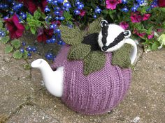 Badger Tea Cosy by Lindsay Mudd knitting pattern £2.00 on Ravelry at http://www.ravelry.com/patterns/library/badger-tea-cosy