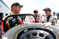 Kasey Kahne Photos - Quaker State 400 presented by Advance Auto Parts
