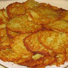 Try this Swedish potato pancake (or raggmunk in Swedish) recipe for a taste of Sweden or to celebrate your Swedish family history. Swedish Cuisine, Swedish Dishes, Swedish Foods, Swedish Kitchen, Swedish Cottage, Swedish Christmas Food, Swedish Pancakes, Best Swedish Pancake Recipe, Viking Food