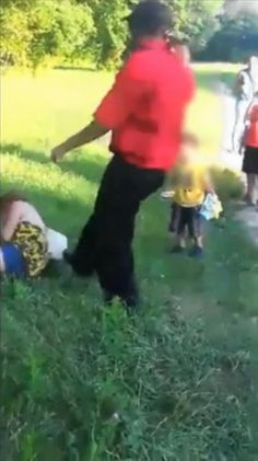 SEE IT: New Jersey woman savagely beaten in front of 2-year-old child as crowd watches - NY Daily News