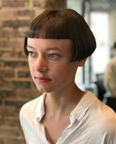 V Bangs, Bob Haircut With Bangs, Short Bangs, Short Curly Hair, Short Hair Cuts, Curly Hair Styles, Very Short Haircuts, Short Bob Hairstyles, Cool Hairstyles