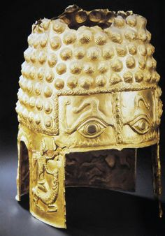 Dacian gold helmet European Tribes, European Languages, Ancient Armor, Visit Romania, Central And Eastern Europe, Arm Armor, Fantasy Paintings, Bees Knees, Black Sea