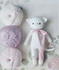 Зефирных снов котята А я пойду девочку наряжать да голос детский слушать #weamiguru #amigurumi #handmadetoys #handmade  #crochettoy #crochet #mysolutionforlife #i_loveknitting #sea_of_ideas #doll #amigurumidoll #toys_gallery #handmadeall #magikstore #mastercraft #настраницу_magikstore #игрушки_крючком #вязанаяигрушка by katerinamazuryak