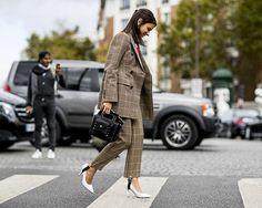Buscamos no street style dicas de looks para você usar no trabalho (Foto: Imaxtree)