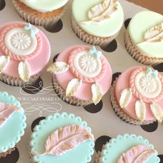 Boho cupcakes Pastel Cupcakes, Fondant Cupcakes, Cupcake Cakes, Fiesta Baby Shower, Boho Baby Shower, Baby Shower Cupcakes, Cupcake Party, Themed Cupcakes, Birthday Cupcakes