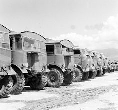 The FWD SUcoe was built in Kitchener Ontario Canada for Canadian forces initially, sent to England and fitted with the same Marshall body as the Matador and used as an Artillery tractor, im not Army Vehicles, Armored Vehicles, Canadian Army, British Army, Cargo Transport, Old Lorries, British Armed Forces, Ww2 Photos, 4x4 Trucks
