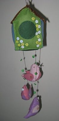 a little crafting bird: felt birdhouse