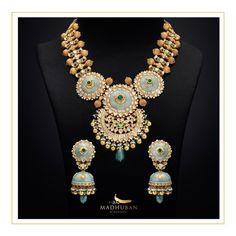 Indian Jewellery Design, Bridal Jewellery, Indian Jewelry, Jewelry Design Earrings, Gold Jewelry, Gold Necklace, Gold Set, Fashion Jewelry, Girly
