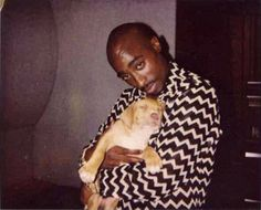 Rappers w/ Puppies: Tupac Shakur Tupac Makaveli, Best Rapper, Tupac Shakur, Dogs And Kids, American Rappers, Snoop Dogg, Thug Life, Rare Photos, Beautiful Celebrities