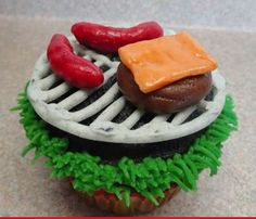 The Worlds Cutest BBQ Fathers Day Cupcake - Foodista.com