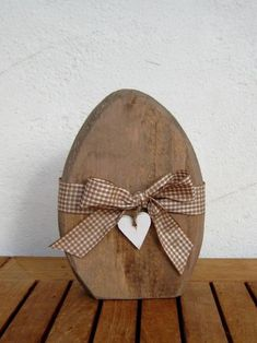 Easter decoration - ♥ OFFER: country style shabby vintage Easter egg ♥ - a designer . - Easter decoration – ♥ OFFER: country style shabby vintage Easter egg ♥ – a unique product b - Easter Table Decorations, Decoration Table, Outdoor Decorations, Shabby Vintage, Style Vintage, Shabby Chic, Spring Crafts, Holiday Crafts, English Country Decor