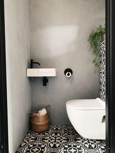 Interior Design Toilet, Toilet Design, Cheap Office Decor, Cheap Home Decor, Small Loft Apartments, Toilet Decoration, Small Toilet Room, Wc Design, Modern Toilet