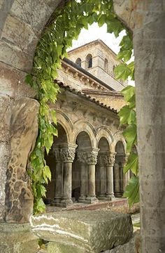SPAIN: Collegiate Church of Santillana del Mar, Cantabria Places Around The World, Around The Worlds, Tenerife, Wonderful Places, Beautiful Places, Magic Places, Spain Travel, Croatia Travel, Hawaii Travel