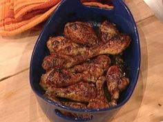 Rachael Ray Show – Food – Gordon Ramsay's Sticky Baked Chicken Drumsticks Rachael Ray Show – Food – Gordon Ramsay's Sticky Baked Chicken Drumsticks was last modified: December Gordon Ramsay, Chicken Drumstick Recipes, Chicken Recipes, Recipe Chicken, Chefs, Baked Chicken Drumsticks, Cooking Recipes, Healthy Recipes, Chef Recipes
