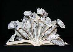 Altered book with origami roses and paper butterflies - Libro intervenido con rosa de origami y mariposas de papel - Livre détourné avec roses origami et papillons en papier.