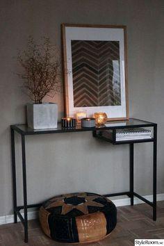 vittsjö from ikea Interior Design Software, Salon Interior Design, Interior Decorating, Ideas Recibidor, Interior Inspiration, Room Inspiration, Entryway Decor, Bedroom Decor, Ikea Vittsjo