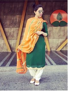 Image may contain: 1 person, standing and closeup Punjabi Suit Simple, Salwar Suits Simple, Embroidery Suits Punjabi, Embroidery Suits Design, Embroidery Designs, Kurta Designs Women, Salwar Designs, Indian Suits, Indian Wear