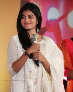 Saree Fashion, Saree Styles, India Beauty, Beautiful Indian Actress, Indian Actresses, Sari, Cute, Dresses, Saree