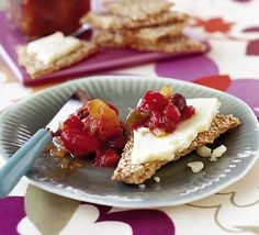 A deliciously easy and versatile tomato chutney, from BBC Good Food Rhubarb Chutney, Apple Chutney, Tomato Chutney, Bbc Good Food Recipes, Fall Recipes, Cooking Recipes, Yummy Food, Gf Recipes, Sweet Recipes