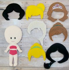 felt doll / flat dolls / princess dolls / felt por Hazelandlouies