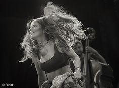 #nds2015 #musique #blackandwhite #music #chanteur #france #musique #festival #concert #nds  #nuitsdusud #music #vence #scène #band #chanteur #singer #song #goodtime #goodvibe #follow #ff #06 #paca #nataliadoco #milkychance Milky Chance, Natalia Doco, Vence, Good Vibe, Wonder Woman, Superhero, Concert, Fictional Characters, Women