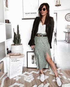 47768e042df174 On adore le look de @maricha84 avec ses jolis compensées AGLAE ! 😍🌼  #jeportedesandre #andrechaussure #shoes #shoesaddict #look #fashion  #andréchaussures ...