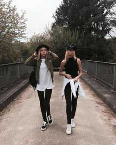 """Lisa and Lena 