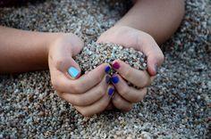 Sardegna - Giochi nella sabbia di Vignola Mare - Aglientu  Vicino a santa Teresa di Gallura