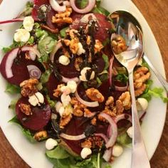 Beetroot Salad with Honeyed Walnuts and Raspberry Balsamic Reduction thermomix hotmixpro New Recipes, Salad Recipes, Cooking Recipes, Healthy Recipes, Savoury Recipes, Healthy Salads, Healthy Foods, Garlic Salad Recipe, Christmas Lunch