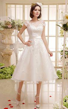 Organza kurze Ärmeln kleine Größe ausgefallenes romantisches Brautkleid aus Satin