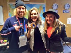 Meredith and Olympic Gold Medalists Sage Kotsenburg and Jamie Anderson Showboarding Sochi Sage Kotsenburg, Jamie Anderson, Winter Olympics 2014, Snowboarding Women, Fun Shots, Team Usa, Olympic Games, Athletes