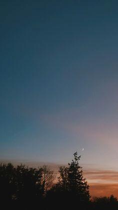 (notitle) The post appeared first on Fotografie. Sunset Wallpaper, Tumblr Wallpaper, Wallpaper Backgrounds, Iphone Wallpaper Beach, View Wallpaper, Phone Backgrounds, Aesthetic Backgrounds, Aesthetic Iphone Wallpaper, Aesthetic Wallpapers