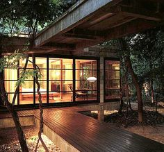 like these covered walkways between 'rooms', a bit like a house we have visited here in Singapore. Great idea.