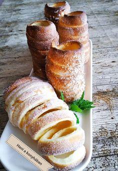 Kürtőskalács, finomabb mint amit a vásárokban lehet venni! Hungarian Cake, Hungarian Recipes, Bread Recipes, Cookie Recipes, Dessert Recipes, Winter Food, No Bake Cake, Bakery, Food Porn