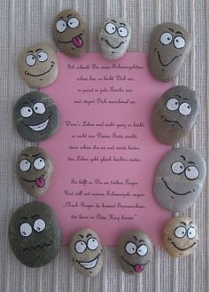 More - Smiley mit Spruch - ein Designerstück von Artbeat-Br . Smiley Faces, Smiley Emoji, Painted Rock Cactus, Painted Rocks, Art Beat, Kindergarten Portfolio, Happy Paintings, Pebble Art, Stone Painting