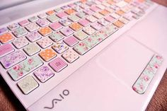 {Gave my laptop a makeover, part Vintage keys. ♥ Here's part Keyboard from DIY laptop makeover Washi Tape Keyboard, Keyboard Stickers, Keyboard Cover, Cinta Washi, Pink Laptop, Laptop Skin, Washi Tape Crafts, Dont Forget To Smile, Don't Forget