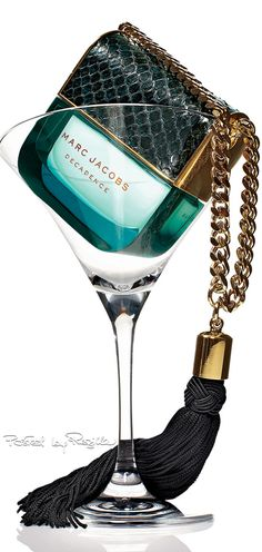 perfume and lotion organization Amazing Grace Perfume, Beautiful Perfume, Iris Flowers, Fragrance Parfum, After Shave, Smell Good, Coco Chanel, Perfume Bottles, Lipsticks