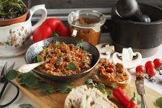 Kulinaari-ruokablogi: Bomba Calabrese -paprika-chilitahna nostaa veden k... Takana, Fajitas, Paella, Tequila, Fried Rice, Guacamole, Chili, Fries, Ethnic Recipes