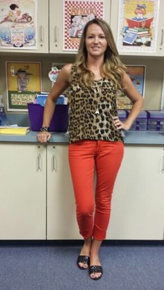 I love these pants and she has them in yellow, too!  I just can't seem to rock the skinny pants.  :(