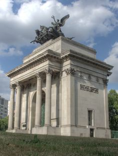 Wellington Arch London Good And Cheap, Statue Of Liberty, Arch, Photographs, London, World, House, Travel, Image