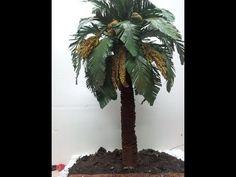 How To Make Palm Trees For Your Miniatures & Terrain Scenery Christmas Nativity Scene, Christmas Villages, Christmas Wreaths, Nativity Scenes, Paper Palm Tree, Palm Trees, Miniature Plants, Miniature Fairy Gardens, Christmas In Italy
