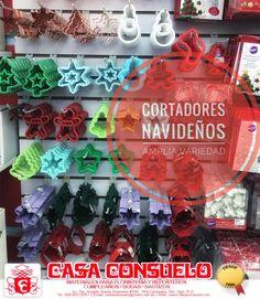 Ya puedes empezar todos tus proyectos navideños con todos los cortadores que tenemos disponibles para ti. #FelizLunes #Cortadores